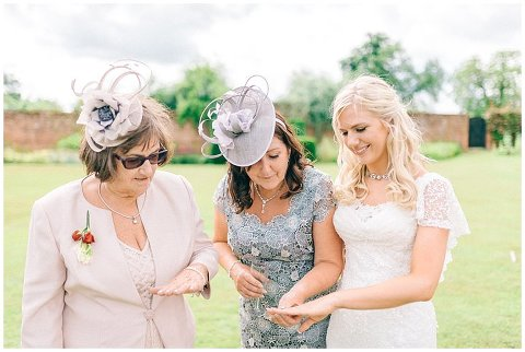 vintage wedding photographer London 0135(pp w480 h322)