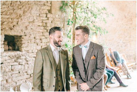 Stone barn wedding Cheltenham 0032(pp w480 h322)
