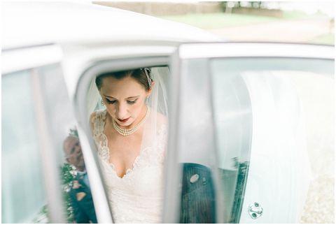 Stone barn wedding Cheltenham 0035(pp w480 h322)