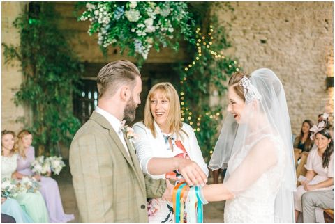 Stone barn wedding Cheltenham 0049(pp w480 h322)