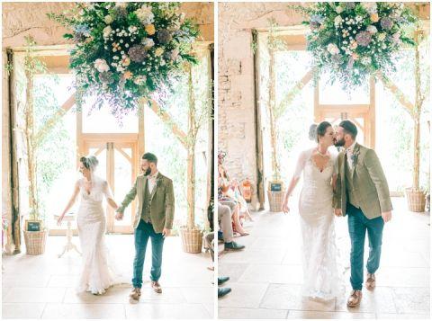 Stone barn wedding Cheltenham 0055(pp w480 h357)