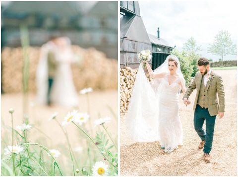 Stone barn wedding Cheltenham 0087(pp w480 h357)