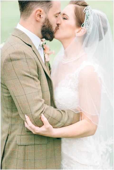 Stone barn wedding Cheltenham 0092(pp w480 h716)
