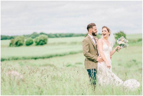 Stone barn wedding Cheltenham 0095(pp w480 h322)
