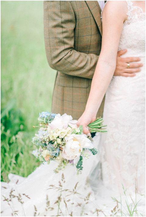 Stone barn wedding Cheltenham 0097(pp w480 h716)