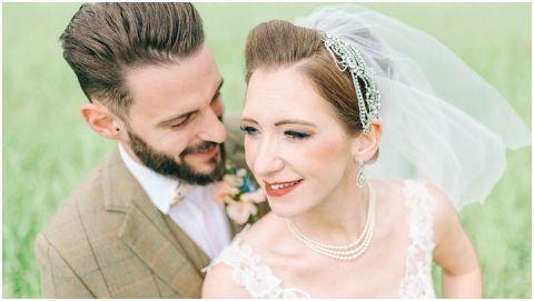 Stone barn wedding Cheltenham 0098(pp w480 h271)
