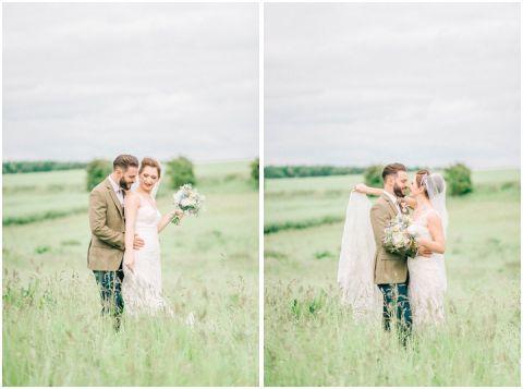 Stone barn wedding Cheltenham 0101(pp w480 h357)