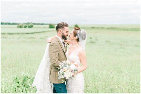 Stone barn wedding Cheltenham 0103(pp w480 h322)