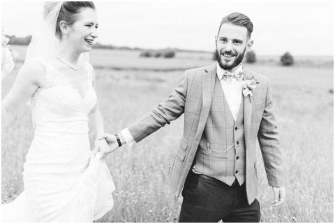 Stone barn wedding Cheltenham 0107(pp w480 h322)