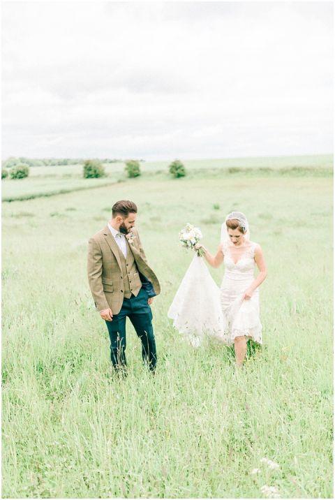 Stone barn wedding Cheltenham 0111(pp w480 h716)