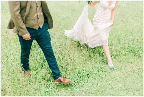 Stone barn wedding Cheltenham 0112(pp w480 h322)