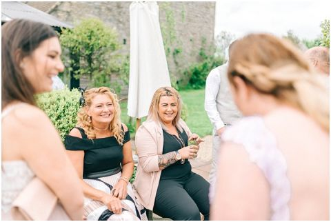 Stone barn wedding Cheltenham 0128(pp w480 h322)