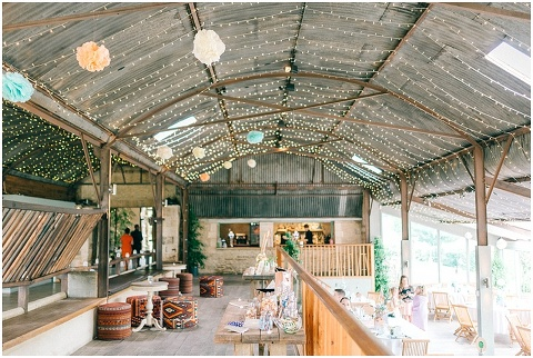 Stone barn wedding Cheltenham 0139(pp w480 h322)