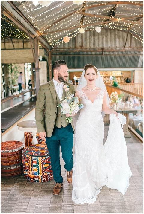 Stone barn wedding Cheltenham 0145(pp w480 h716)