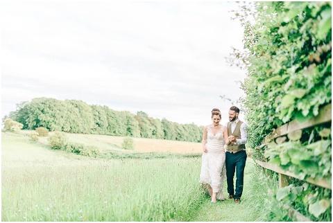 Stone barn wedding Cheltenham 0188(pp w480 h322)