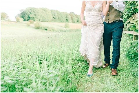 Stone barn wedding Cheltenham 0189(pp w480 h322)