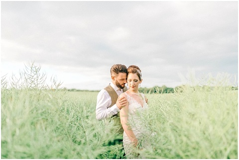 Stone barn wedding Cheltenham 0198(pp w480 h322)
