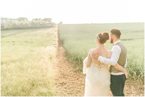 Stone barn wedding Cheltenham 0211(pp w480 h322)