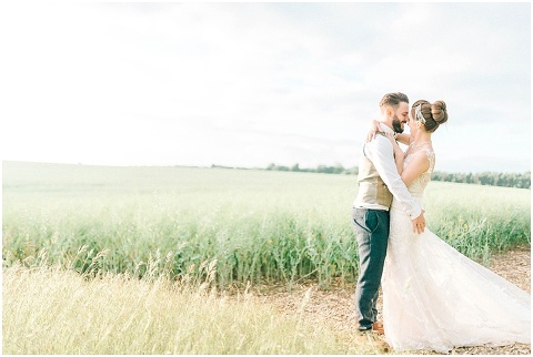 Stone barn wedding Cheltenham 0214(pp w480 h322)