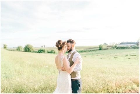 Stone barn wedding Cheltenham 0217(pp w480 h322)