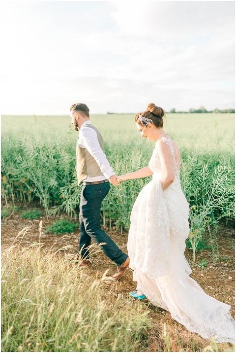 Stone barn wedding Cheltenham 0220(pp w480 h716)