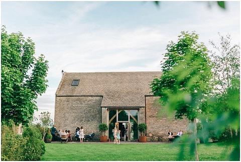 Stone barn wedding Cheltenham 0222(pp w480 h322)