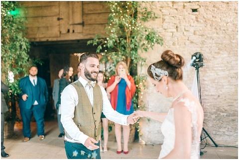Stone barn wedding Cheltenham 0226(pp w480 h322)