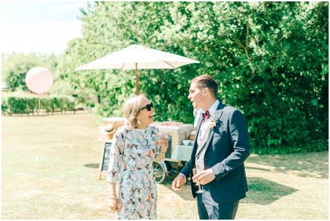Yalding Gardens wedding Brentwood cathedral wedding 0054(pp w480 h322)