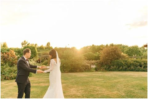 Yalding Gardens wedding Brentwood cathedral wedding 0124(pp w480 h322)