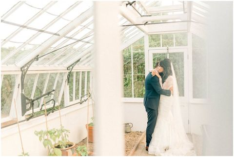 Yalding Gardens wedding Brentwood cathedral wedding 0130(pp w480 h322)