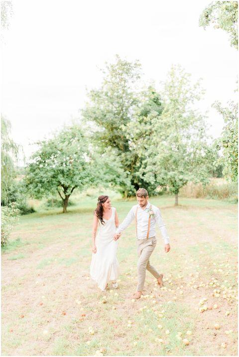 outdoor wedding (pp w480 h716)
