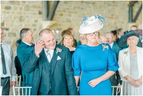 Yorkshire Wedding Barn Wedding photographer 040(pp w480 h322)