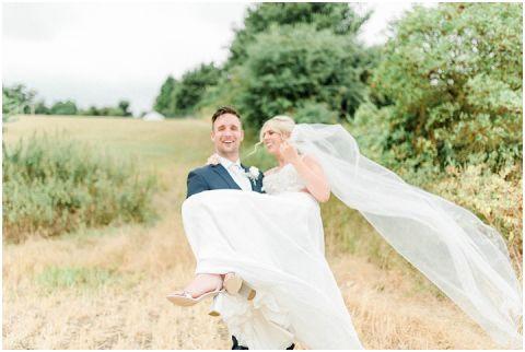 bright fine art wedding photographer 064(pp w480 h322)