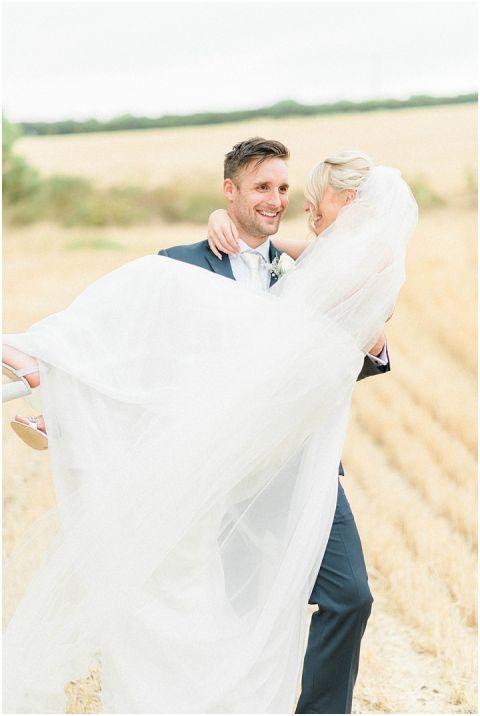 bright fine art wedding photographer 080(pp w480 h716)