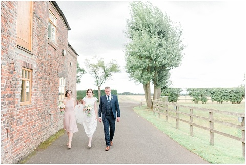 Bright Natural Fine Art Wedding photographer018(pp w480 h322)
