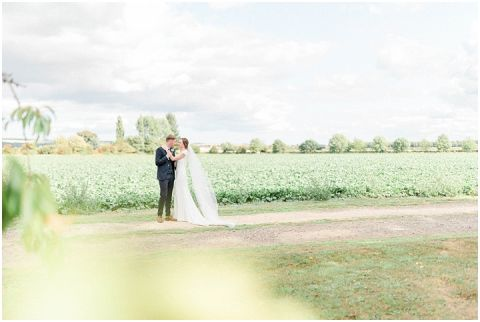 Bright Natural Fine Art Wedding photographer041(pp w480 h322)