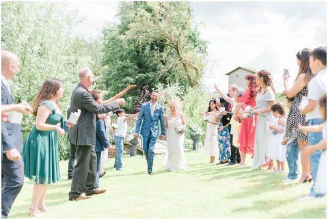 Domaine De Grolhier Wedding Photography 040(pp w480 h322)