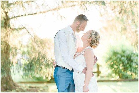 Domaine De Grolhier Wedding Photography 120(pp w480 h322)