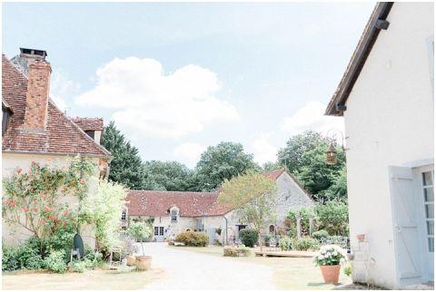 Manoir de la Foulquetiere Loire Valley wedding venue France destination wedding france 016(pp w480 h322)