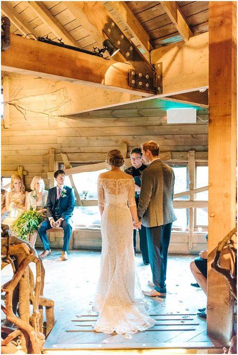 Alnwick Treehouse wedding 041 686x1024(pp w480 h716)