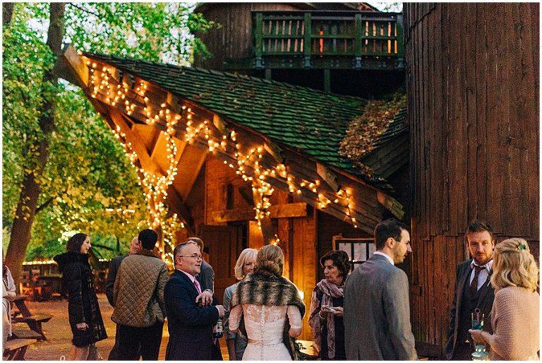 Alnwick Treehouse wedding 077(pp w768 h514)