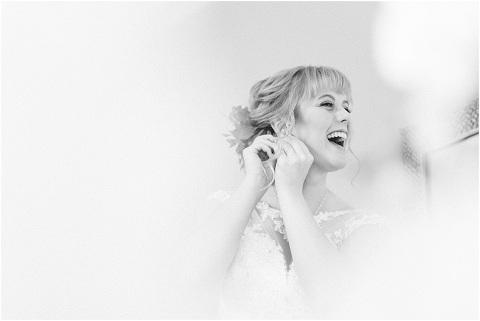 Best Bright Natural Wedding Photographer 026(pp w480 h321)