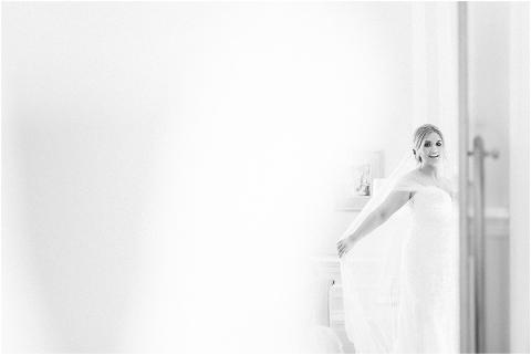 Best Bright Natural Wedding Photographer 031(pp w480 h321)