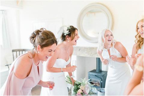 Best Bright Natural Wedding Photographer 041(pp w480 h321)