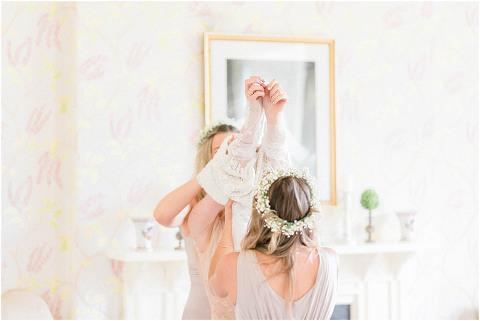 Best Bright Natural Wedding Photographer 045(pp w480 h321)
