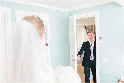 Best Bright Natural Wedding Photographer 047(pp w480 h321)