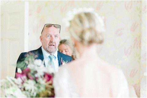 Best Bright Natural Wedding Photographer 048(pp w480 h321)