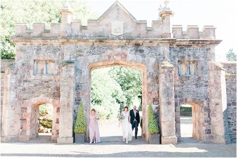 Best Bright Natural Wedding Photographer 063(pp w480 h321)