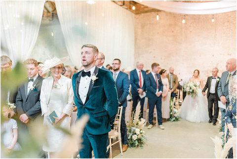 Best Bright Natural Wedding Photographer 074(pp w480 h321)