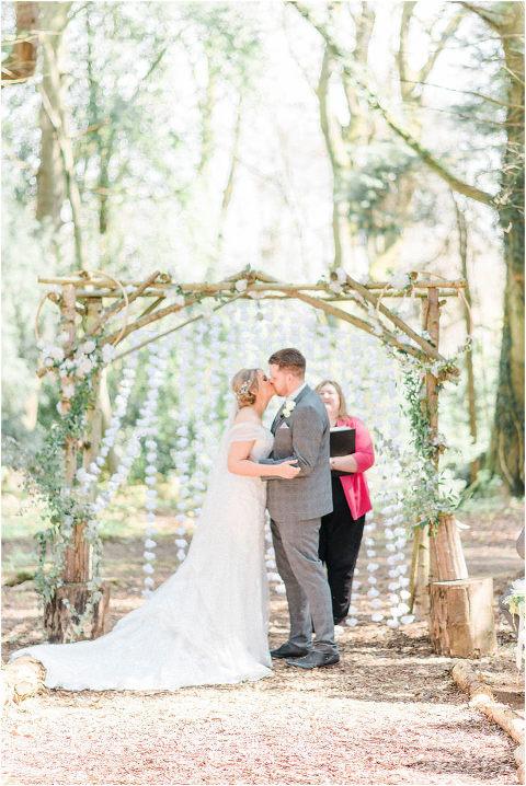 Best Bright Natural Wedding Photographer 093(pp w480 h718)